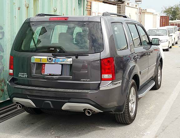 Honda-Pilot-EX-2015 Model for sale colour Metallic Grey 12000 KM Chrome Kit skid plates full dealer service warranty no accident in very good brand new condition single owner driven family use registration insurance valid up to Feb-2018. Very less km used. Serious buyers only call 33292538 #rangloo, #bar, #accessories