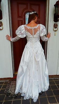 Vtg-Heavy-Beaded-Sequin-Sheer-Applique-White-Satin-Cathedral-Wedding-Dress-M-8