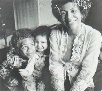 This picture is pure love.. Minnie Riperton with Marc and Maya Rudolph
