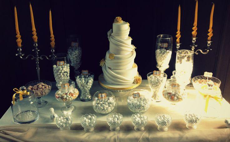 Elegant wedding sweet table. Realizzata da Valeria Mei Cagnoli presso il Castello Brancaccio di San Gregorio da Sassola.