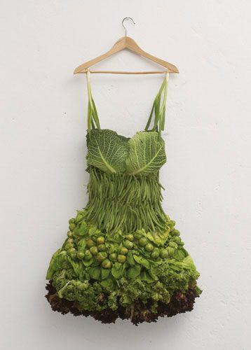 Spruitjesjurk van Sarah Hillenberger http://www.stylink.nl/Food-fashion-en-fotografie.html #stylink #foodfashion #foodstyling