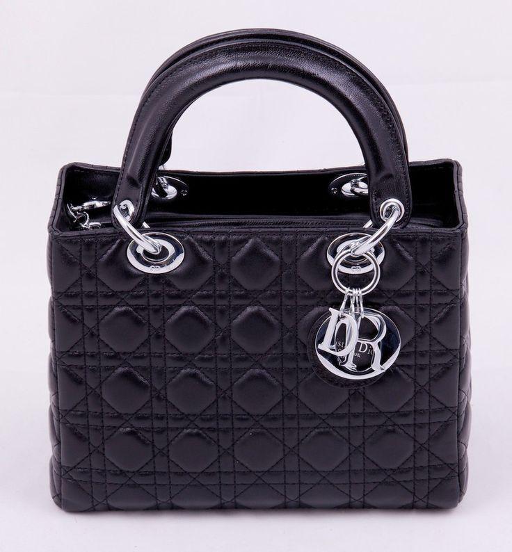 Сумочка Lady Dior из натуральной кожи ягненка черная