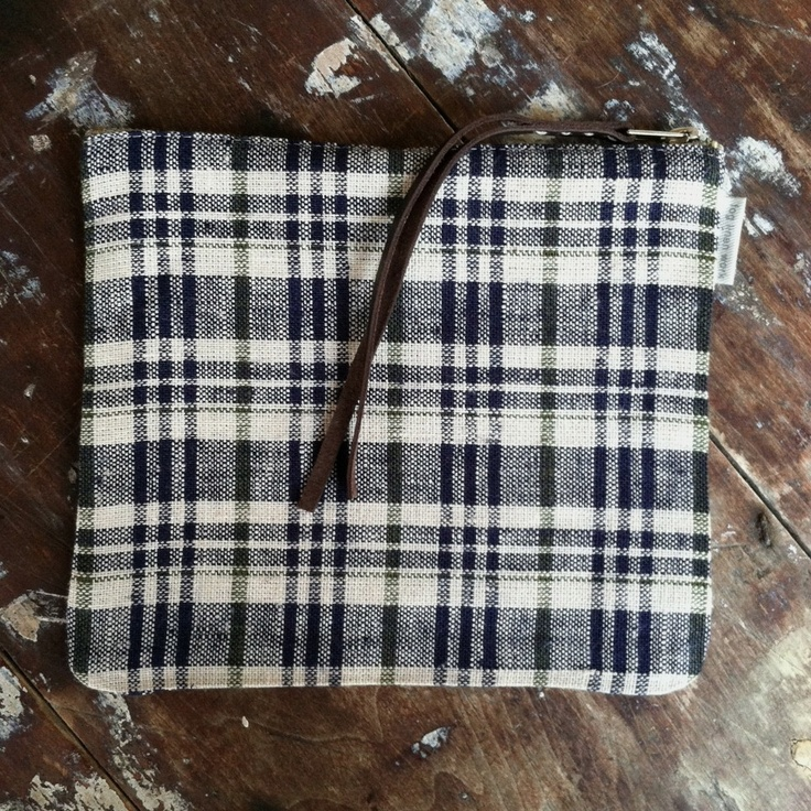 shop fog linen — Canna Pouch Medium: Blue/Beige Plaid