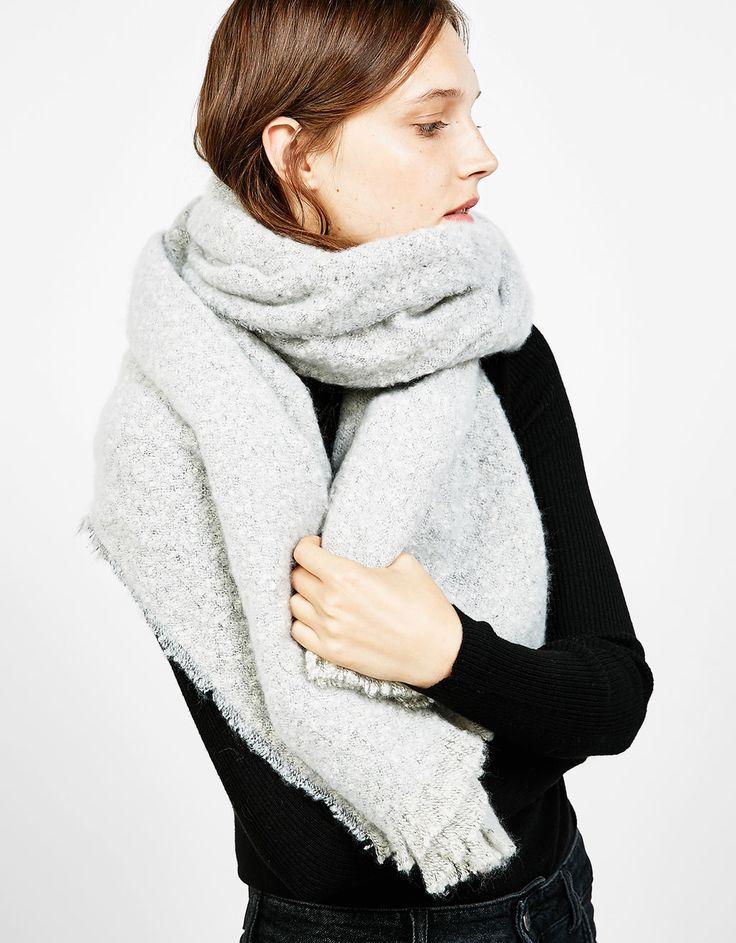 Garmarmerde sjaal, textuur. Ontdek dit en nog véel meer kledingstukken in…