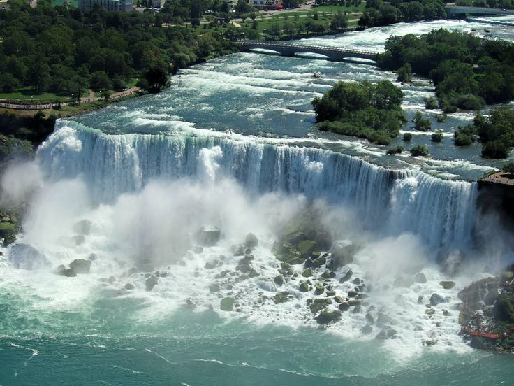 Overview of American side of Niagara Falls. Note the rocks at the bottom. It's not the rushing waters that kills, it's the rocks.