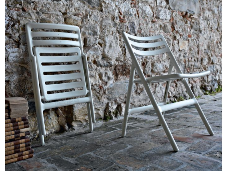 FOLDING AIR-CHAIR Jasper Morrison VITRA http://store.hermanmiller.com/Products/Folding-Air-Chair-Set-of-2 http://www.jaspermorrison.com/html/8229683.html