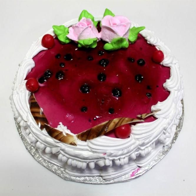 Enjoy this yummy cake and celebrate any occasion to buy online cake delivery in hyderabad www.winni.in/hyderabad/cakes/c/4