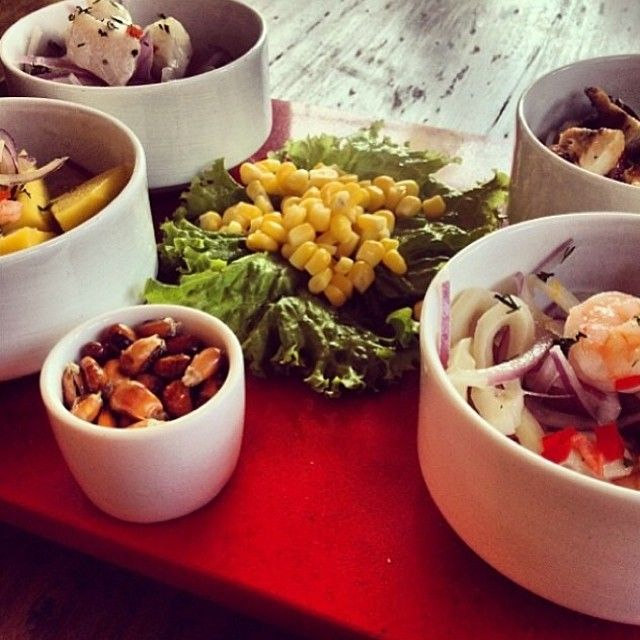 Tabla de Ceviche Restaurante Brujas de Cartagena Cocina Peruana Cartagena - Colombia