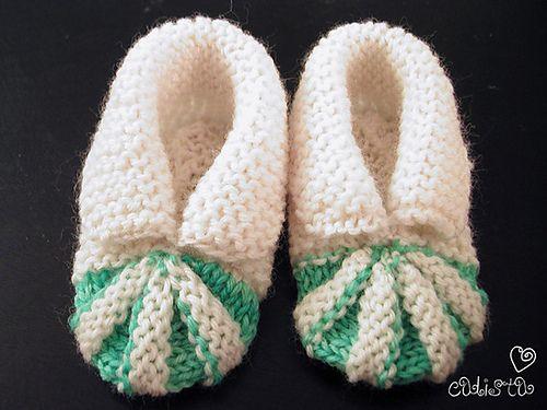 Stitchlogue Blog: handmade by Calista: My version of Babystøvler