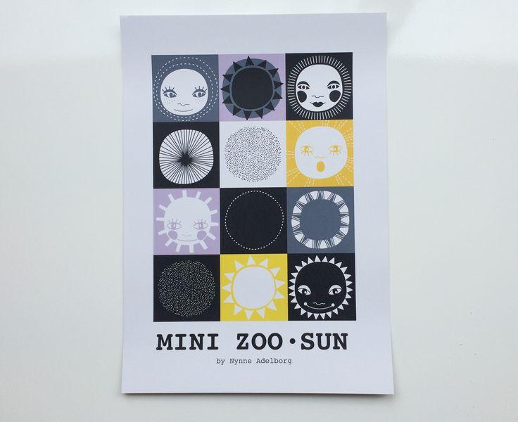 Mini Zoo ABC – Grafisk plakat med sol – A3 - Tinga Tango  #illustration#minizoo#børneværelse#grafisk