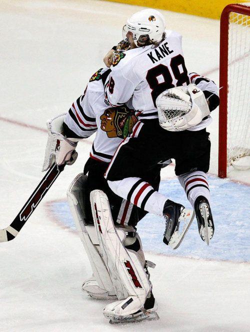 Aww, hockey hug.Go Blackhawks!