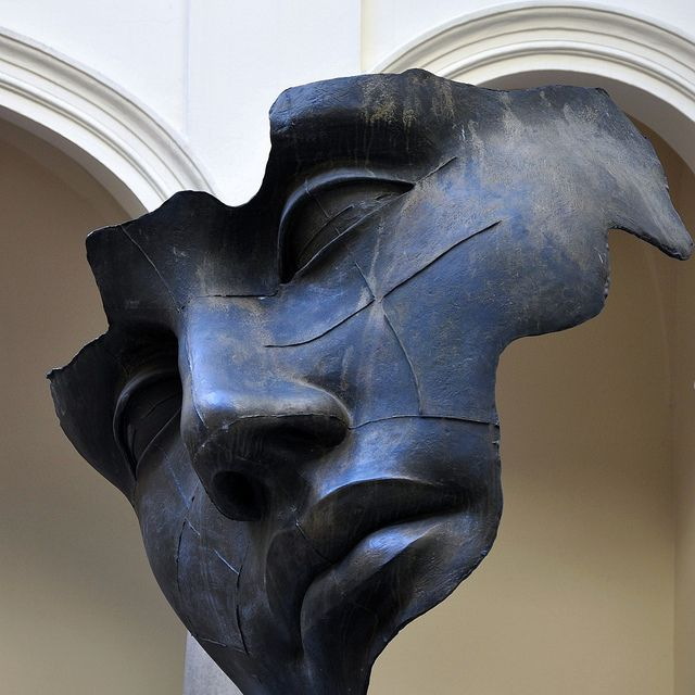 Luci di Nara (Światło księżyca, Light of the Moon), 1991, bronze. Igor Mitoraj's sculpture at the courtyard of Collegium Iuridicum of the Jagiellonian University, Kraków.