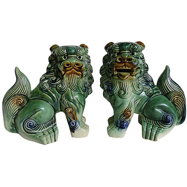 Pre-Owned Majolica-Style Green Foo Dogs S/2 ($249) ❤ liked on Polyvore featuring home, home decor, decorative accessories, green home decor and foo dog figurines