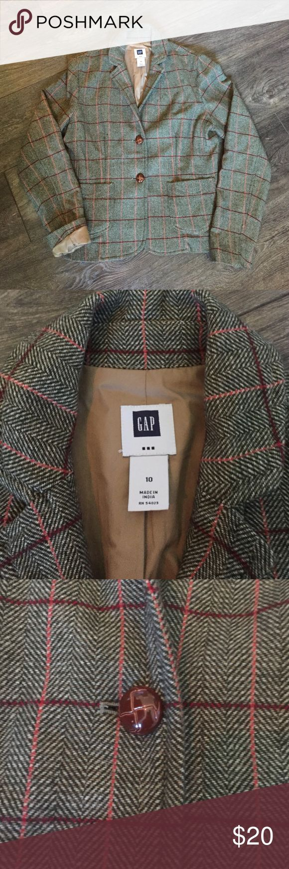 GAP wool blazer, size 10 Green, brown and burgundy tweed 90% wool blazer. Light brown lining. Pair with a skirt, pants or jeans for a great fall and winter outfit. Lightly worn. Pet free, smoke free home. GAP Jackets & Coats Blazers
