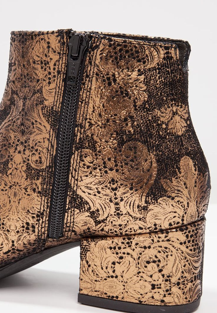 Vagabond DAISY - Boots - bronze for £99.99 (14/09/16) with free delivery at…