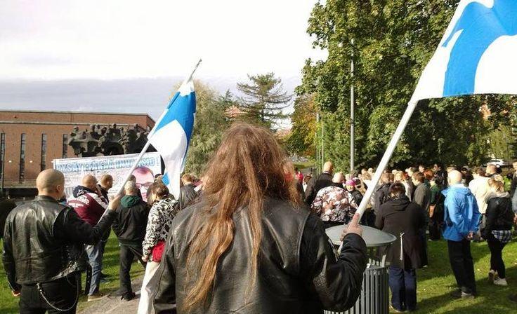 Rajat Kiinni! -kansanliike järjestää lauantaina Helsingissä sekä Tampereella mielenilmaukset, joiden tarkoituksena on vastustaa hallituksen maahanmuuttopolitiikkaa.