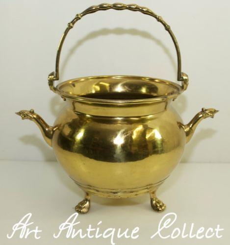 Ancien-Pot-suspendu-Pot-de-Cheminee-Pot-de-fleurs-Laiton-Chaudiere-Casserole