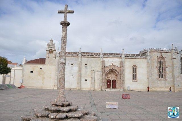 Convento de Jesus, cunoscut și ca Mănăstirea lui Isus, e un loc de interes ce trebuie neapărat vizitat dacă vă aflați în Setubal, aproape de Lisabona, capitala Portugaliei