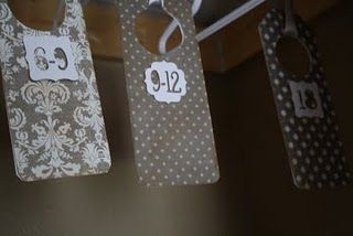 Adorable DIY baby shower gift- baby clothes size divider