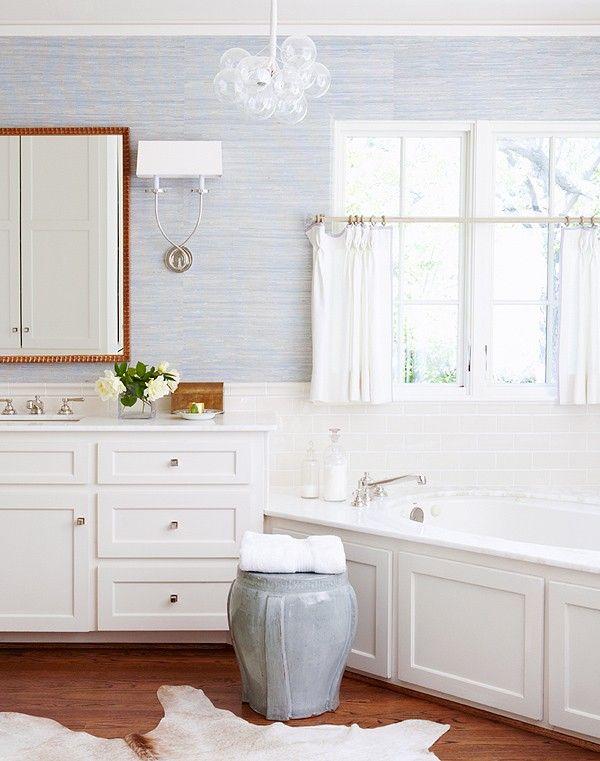 Best 25 grass cloth wallpaper ideas on pinterest for Blue bathroom wallpaper