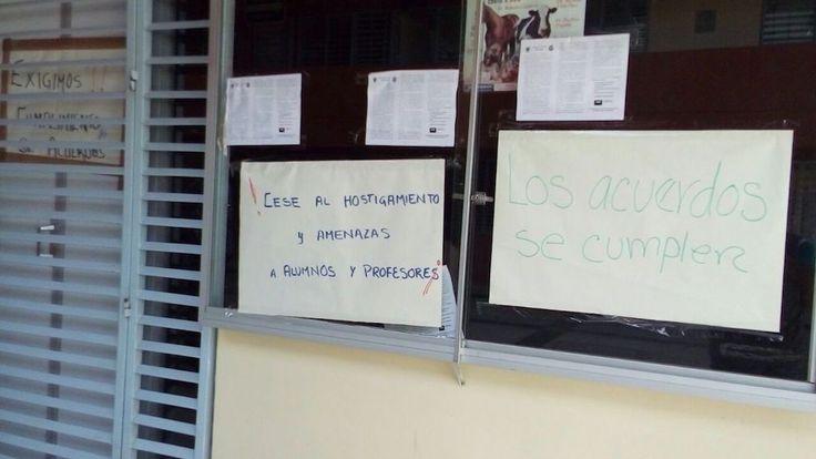 Catedráticos de la Facultad de Veterinaria toman sus oficinas administrativas