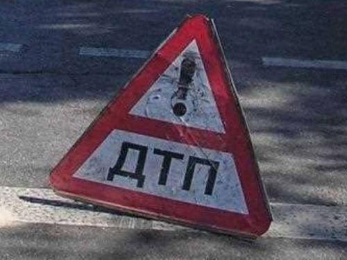 В Крыму произошла страшная авария с участием трех автомобилей http://www.newc.info/news/21549/  В понедельник утром в районе Алупки произошло серьёзное ДТП.
