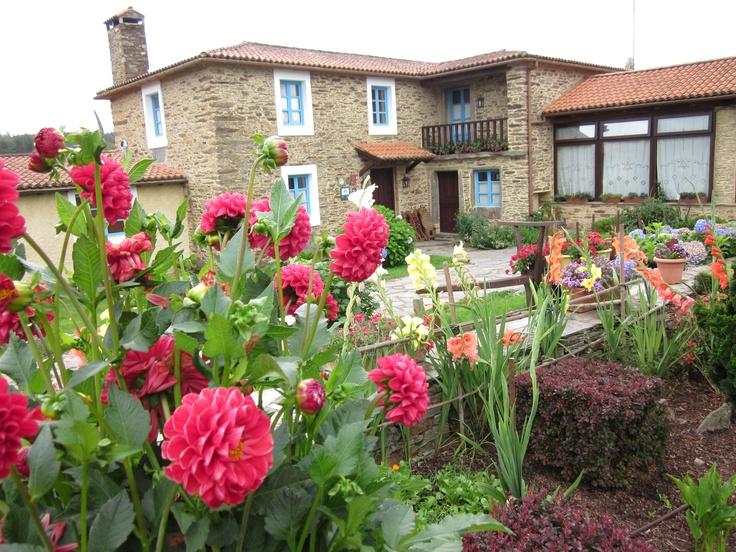 Fachada de casa Assumpta turismo rural en Arzua galicia