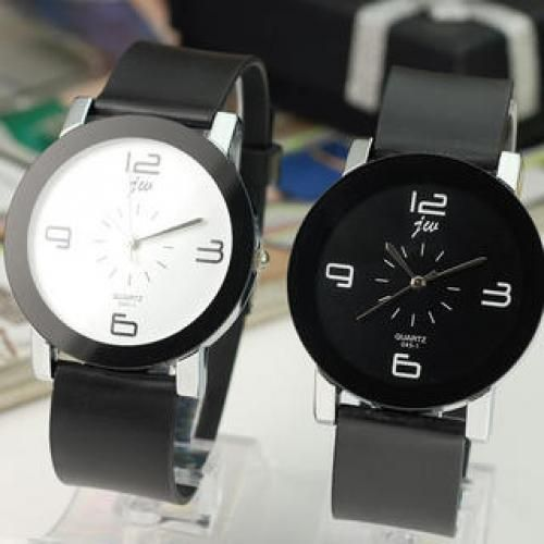 Contrast-Scale Strap Watch
