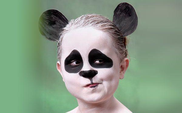 Inspiration, alle Accessoires und eine Schmink-Anleitung, damit du dein Panda Kostüm selber machen kannst.