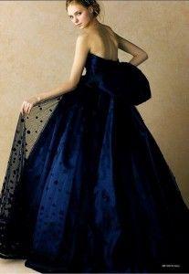 寒い時期ならでは♪深みのあるブルーのドレス♡ 真冬のお色直しのアイデア☆