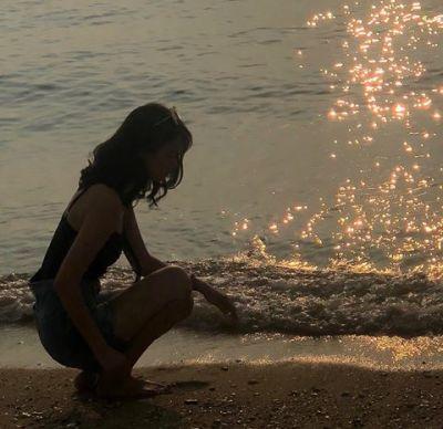 beach vibes + tanned skin + travel + photography | Julie de la Playa – Liv Noerholmm