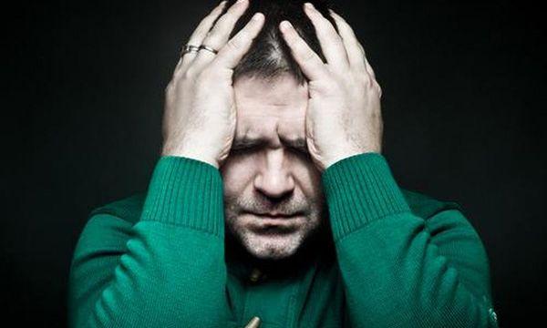 Ο πόνος είναι μια πραγματικότητα αλλά και ένας από τους μεγαλύτερους φόβους του ανθρώπου.  Πολλοί έχουν οδηγηθεί εξαιτίας του στην απομόνωση ενώ κάποιοι άλλοι έφτασαν μέχρι την αυτοκτονία.  Ο πόνος έχει διάφορες μορφές συναισθηματικός ψυχολογικός ακόμη και ηθικός- οι περισσότεροι όμως συμφωνούν ότι ο φυσικός σωματικός πόνος είναι το είδος στο οποίο θέλουμε να δώσουμε τέλος το συντομότερο δυνατό.  Όπως έγραψε άλλωστε ο Αμερικανός ποιητής και συγγραφέας Τσαρλς Μπουκόφσκι δεν ζητάμε την ευτυχία…
