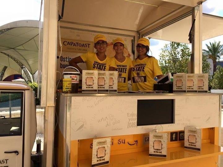 Il nostro #team CAPATOAST vi aspetta presso #ValmontoneOutlet