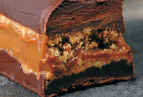Mini-Cakes glacés chocolat Caramel | Les recettes | L'univers LINDT | Chocolats Lindt France chocolate cake recipe