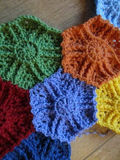 Busy fingers, busy life...: Pattern: Hidden Triangles Hexagon Blanket