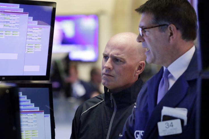 NUEVA YORK (AP) — El mercado bursátil neoyorquino ascendió el martes luego de que el precio del petróleo tuvo su mayor alza en siete meses y las empresas de energía subieron junto con él.