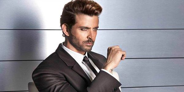 #HrithikRoshan escaped the Istanbul airport blast by few hours