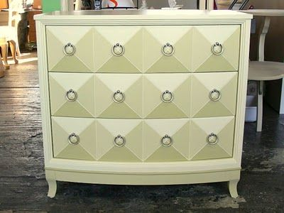 This furniture painter is amazingly talented   The drawers aren  39 t 3 dimensional   They are flat   It  39 s an optical illusion