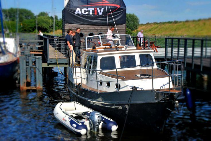 Activ 40 yacht