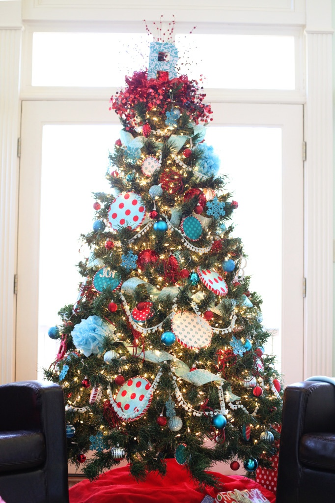 Seuss Christmas Tree. Next year! I love light blue n red together!