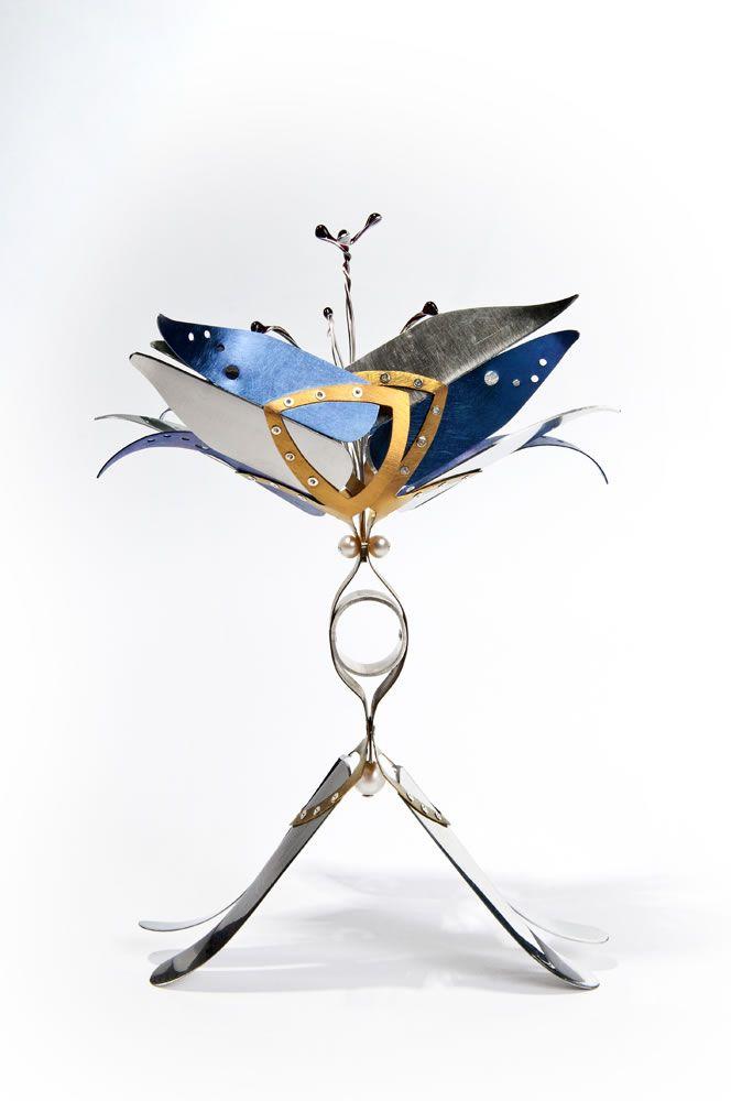Handpiece by Poppy Porte