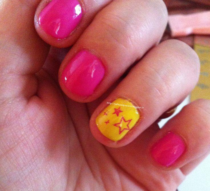 New post on my blog: NAIL ART FACILE E VELOCE... http://bellezzaprecaria.blogspot.it/2014/06/nail-art-facile-e-veloce.html #smalto #nails #bellezzaprecaria #nailpolish #stamping #unghie