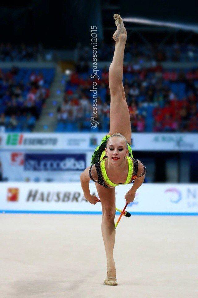 Yana Kudryavtseva, Russia, won gold in clubs at World Cup Pesaro 2015