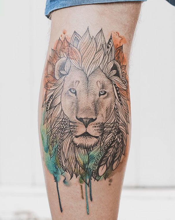 New Zealand-based tattooist Jasper Andres creates beautiful minimal tattoos. Using his delicate touch, Jasper blends together the graceful figures of nature and geometry, resulting in unique tattoos. Sometimes the artist even infuses the thinly-lined tattoos with vibrant colors which makes them look something like watercolor paintings.  http://www.boredpanda.com/eometrical-tattoos-jasper-andres/