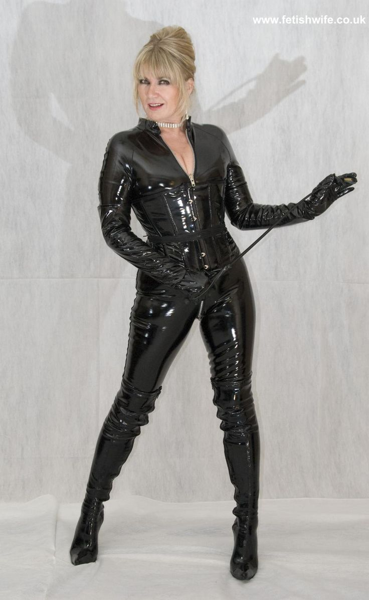 Alluring wife in leather fetish