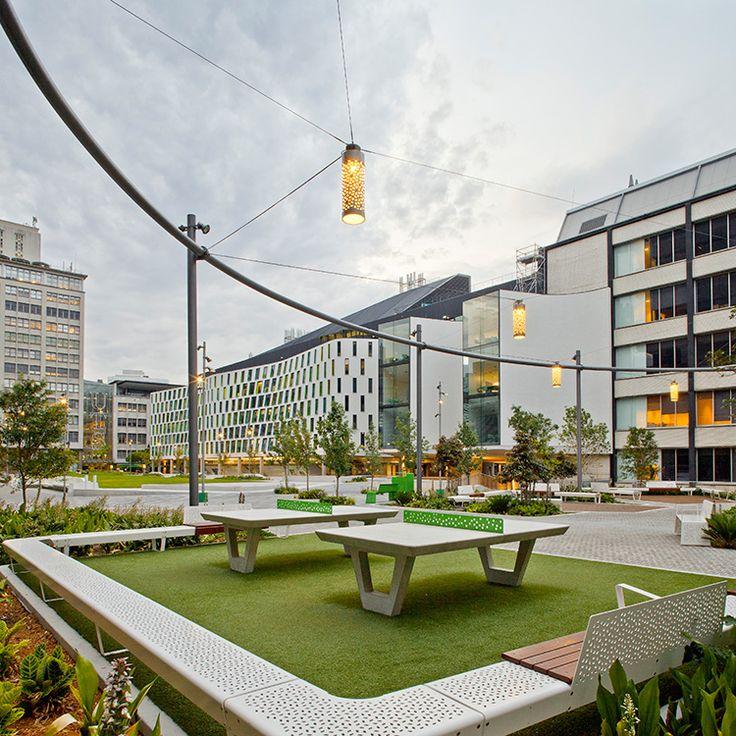 Pro as uts alumnigreen im17 750w 750h espacio p blico for Mobiliario urbano contemporaneo