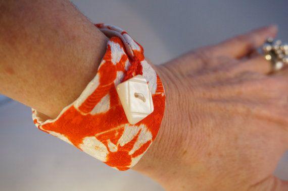 Unique vintage japanese silk wristband par Creatine1 sur Etsy