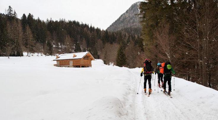 Riscoperta della tradizione in Val di Brenta. Tra turismo e sostenibilità   LegnoOnWeb #baita #turismo #scala #pietra #portico