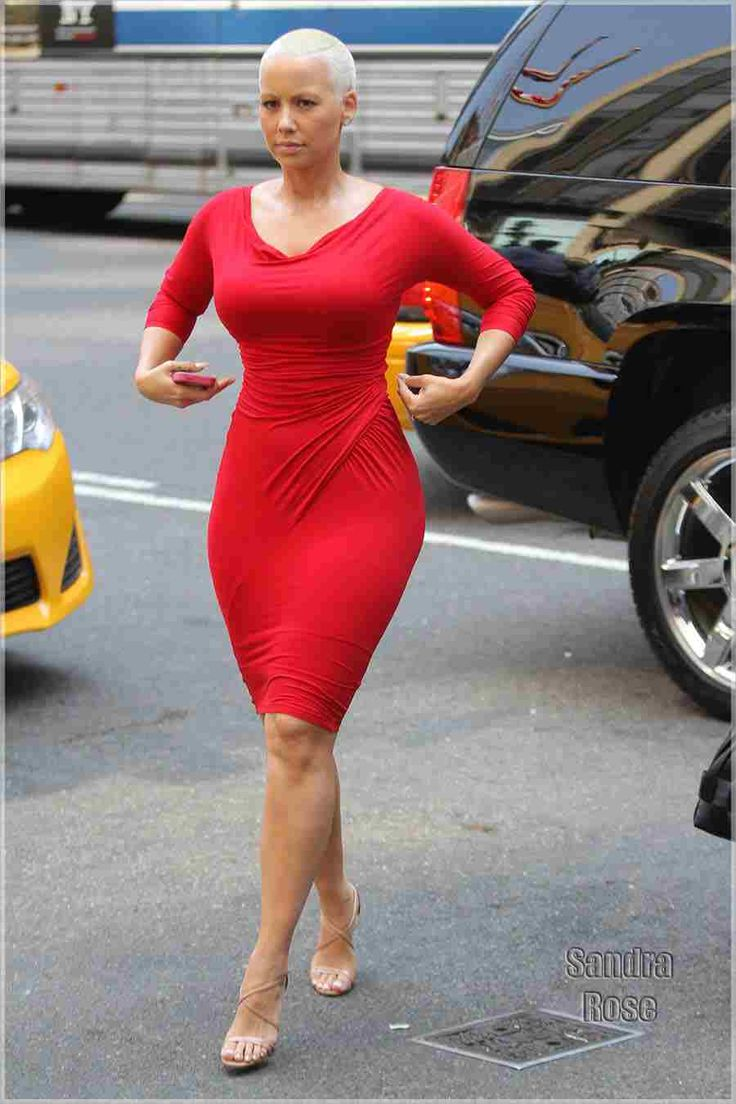 Amber rose..curvy, confident, and a lil bitch face ❤️