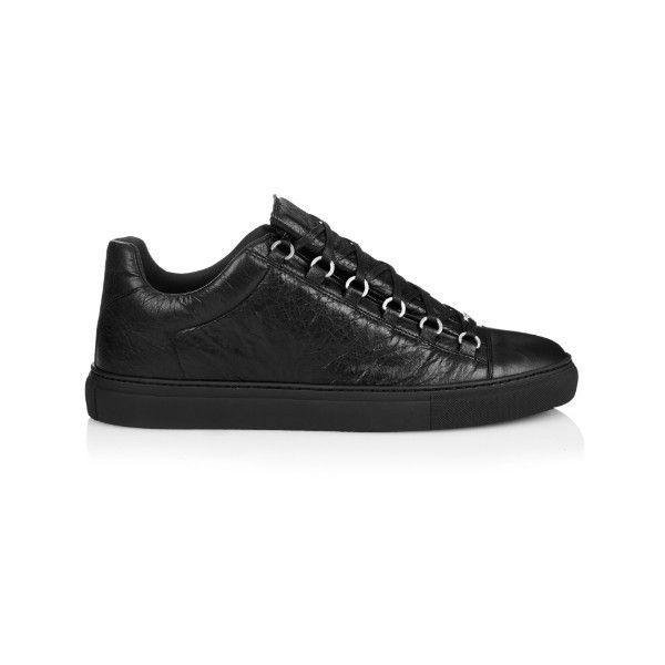 Balenciaga Arena low-top leather trainers ($545) ❤ liked on Polyvore featuring men's fashion, men's shoes, men's sneakers, black, shoes, mens black shoes, mens black leather shoes, mens leather shoes, mens black leather sneakers and balenciaga mens sneakers